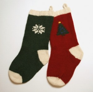 Learn to Knit a Christmas Stocking - v e r y p i n k . c o m - knitting patte...