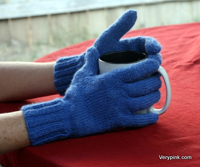 Knitting Pattern Of Gloves : Learn to Knit Gloves - v e r y p i n k . c o m - knitting patterns and video ...