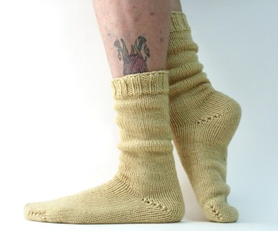 Pattern For Knitting Two Socks At A Time : Two Socks at-a-Time, Toe-Up, Magic Loop - v e r y p i n k . c o m - knitting ...