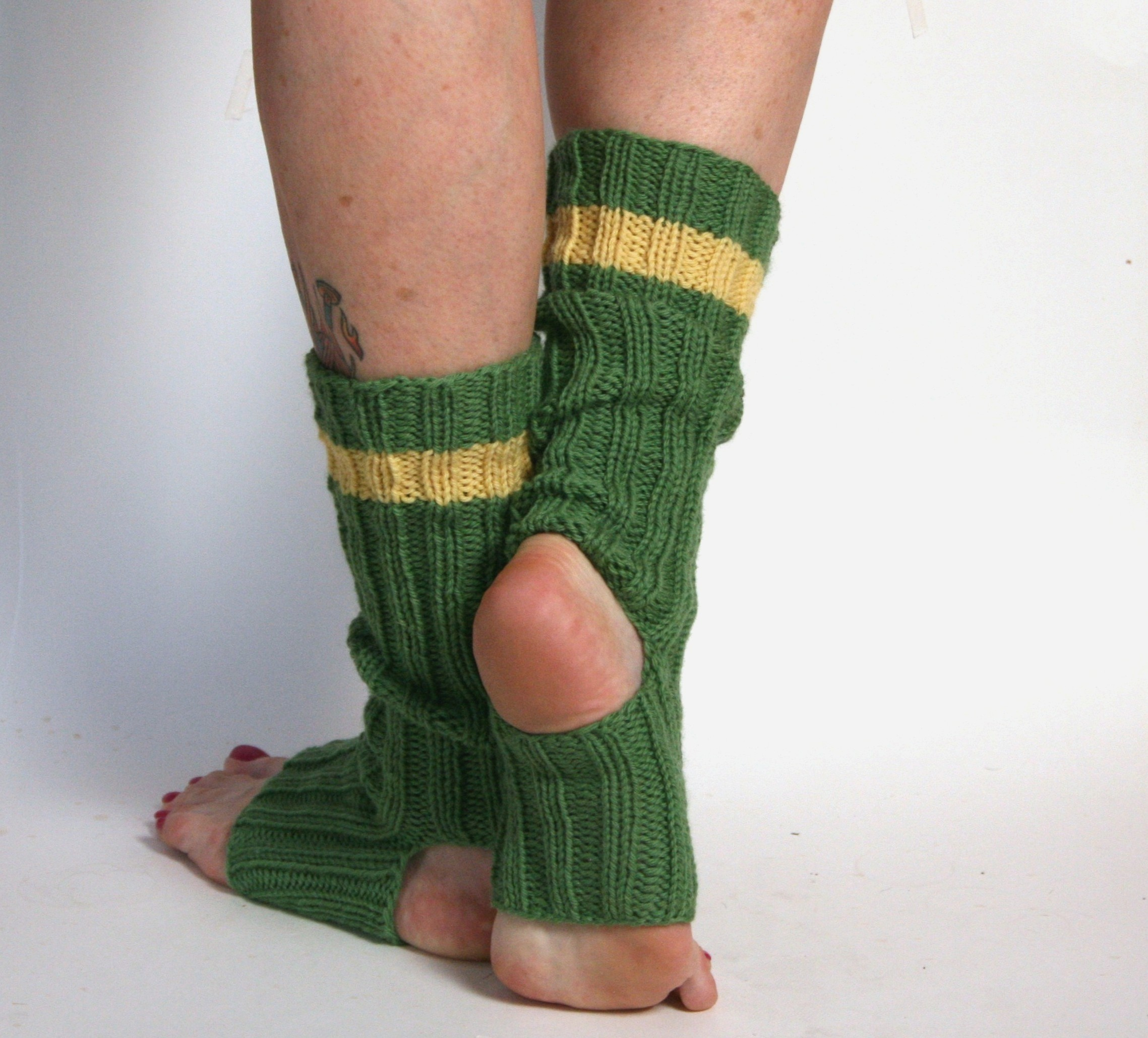 Yoga and Pedicure Socks - v e r y p i n k . c o m - knitting ...