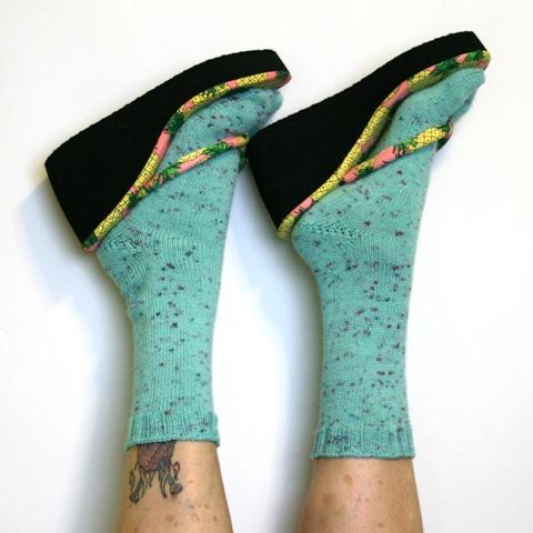 Sidewalk Talk Flip Flop Socks V E R Y P I N K C O M Knitting