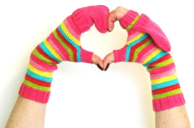 d3ffeb49d88 Knock Knock Convertible Mitts - v e r y p i n k . c o m - knitting ...